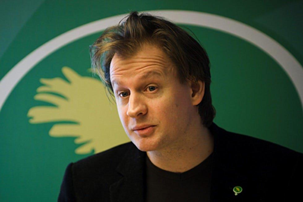 Carl Schlyter med flera lämnar Miljöpartiet i protest mot den nyliberala katastrofpolitiken